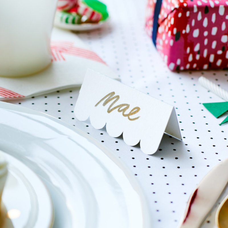 white scalloped edge placecard